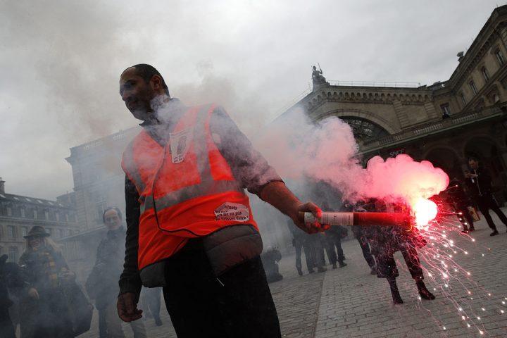 Strejk stoppar franskt flyg