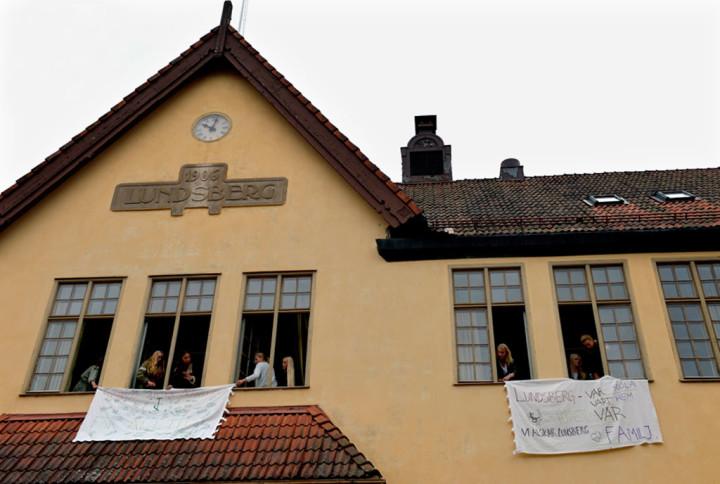 Har ar eleverna pa lundsbergs nya skola
