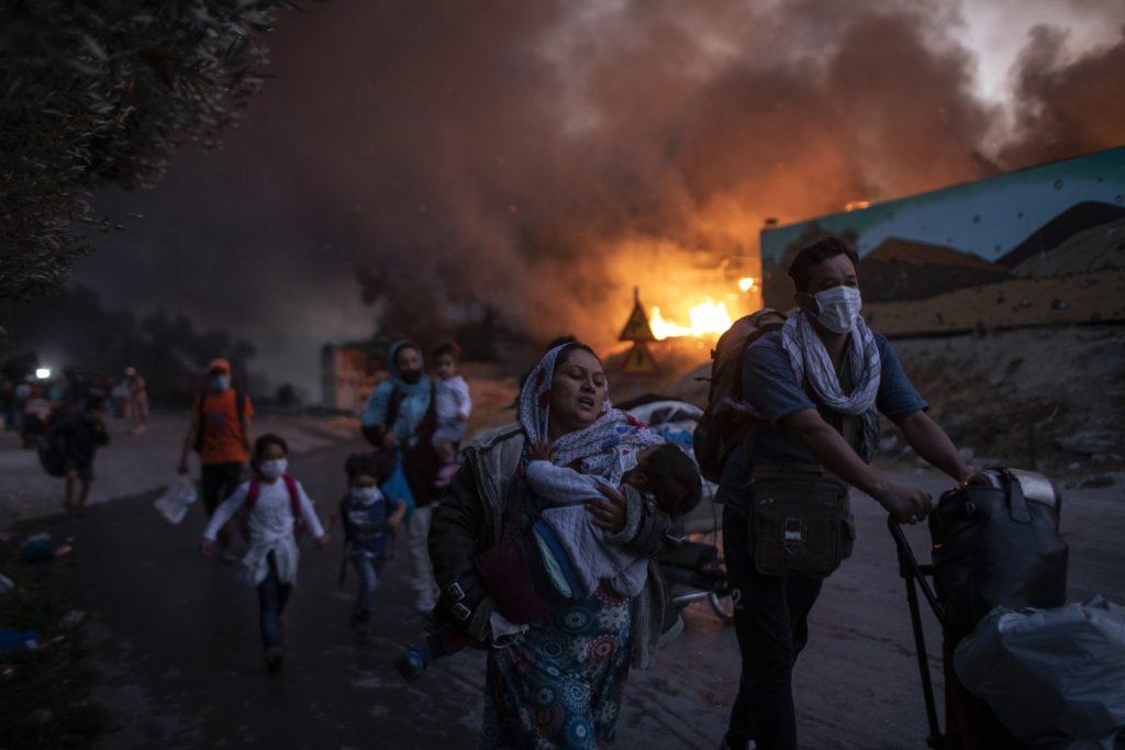 Branden i flyktinglägret Moria på Lesbos väcker