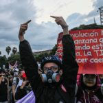 Fackföreningar, människorättsaktivister och studenter har den senaste veckan återupptagit de stora demonstrationerna i Colombia.