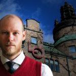 Arbetarens Axel Green står framför en sönderfallande LO-borg