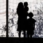 Barn på flykt genom Mexiko mot USA
