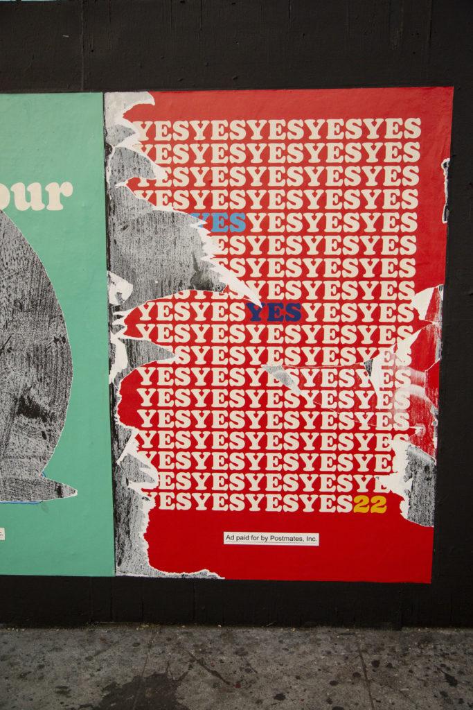 Sönderriven affisch för ja-sidan.