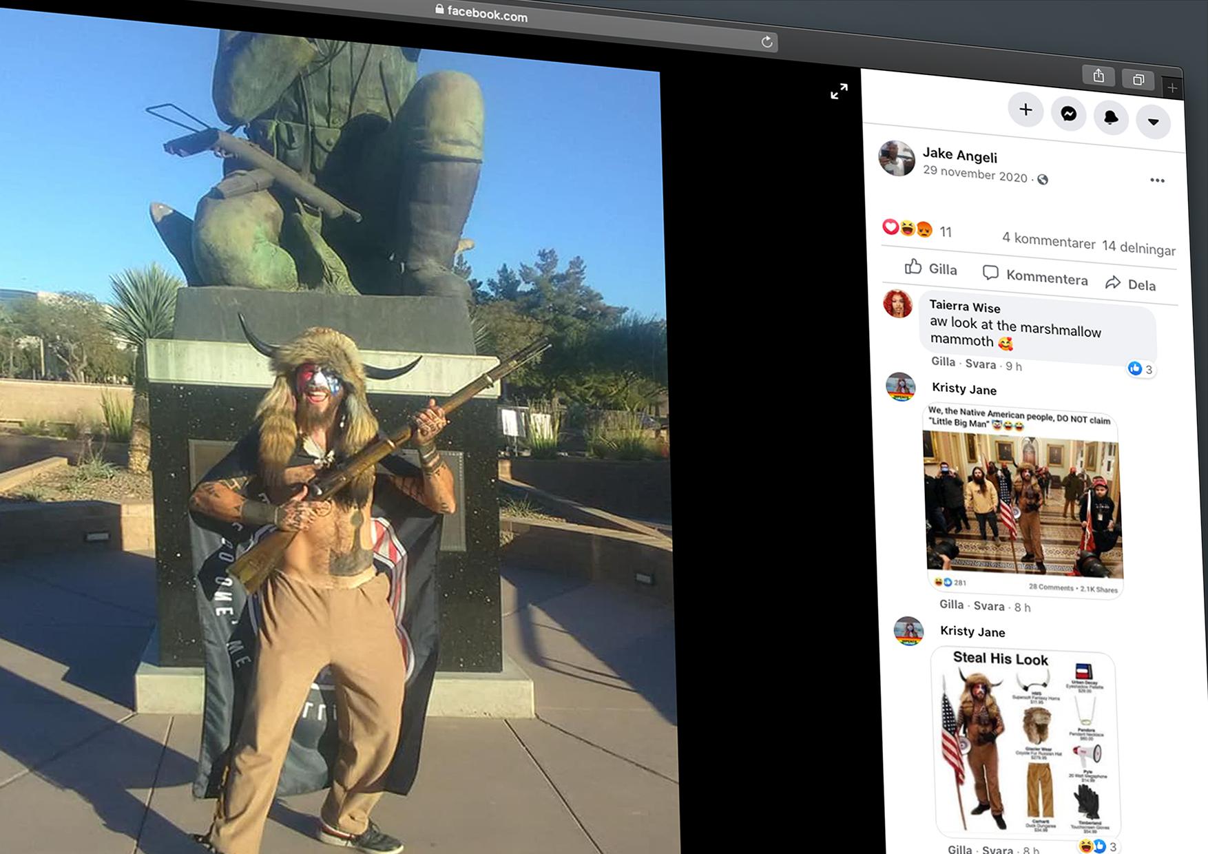 Jake Angeli poserar med bullelhjälm och gevär framför staty. Skärmdump från hans facebooksida.