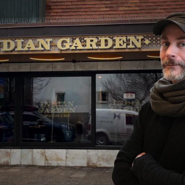 Montage av Emil Boss framför restaurangen Indian Garden