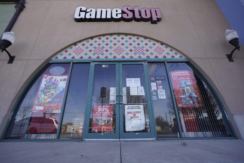 Ett skyltfönster på en Gamestop-butik i Dallas.