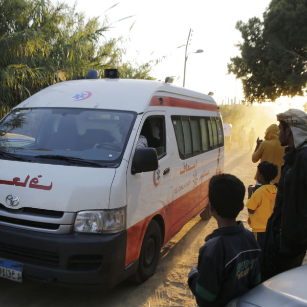 Fabriksbrand dödade 25 arbetare i Egypten