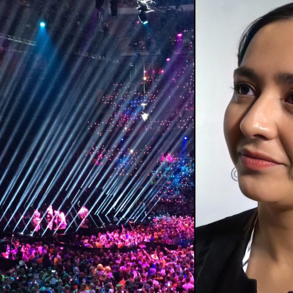 Sångerskan Manizha Sangin samt bild från Eurovisiontävlingen i Stockholm 2016, strålkastare pekar snett uppåt från scengolvet.