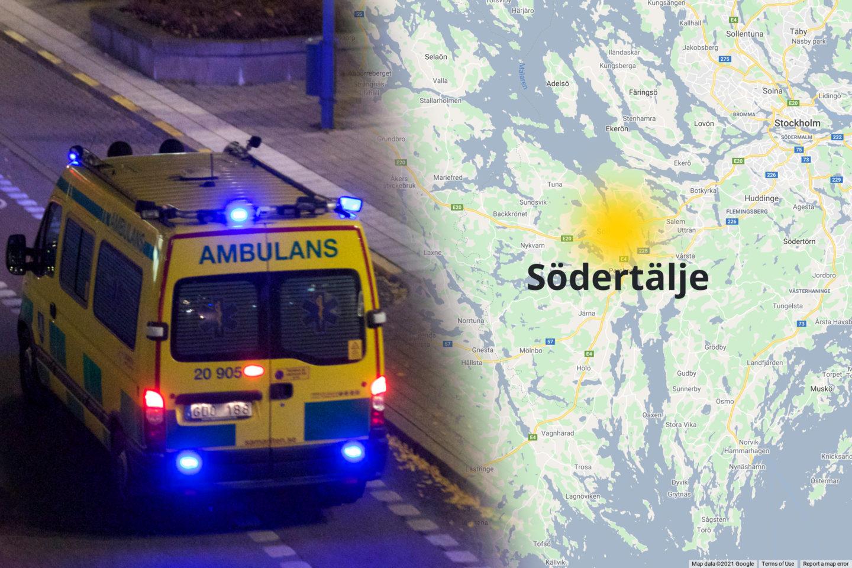 Ambulans på mörk väg och karta med Södertälje utmärkt med en gul prick.