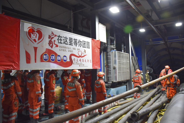 Gruvarbetare instängda Kina