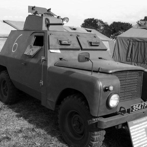 En av de bepansrade Shorland-bilar bestyckad med maskingevär som användes av den Nordirländska polismyndigheten The Royal Ulster Constabulary