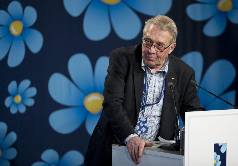 Sverigedemokraten Bertil Malmberg i talarstolen